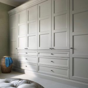 Shaker-Classic-wardrobe-door panelled