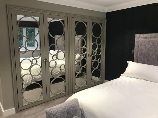 Mirrored Bubble wardrobe by Just Wardrobe Doors.