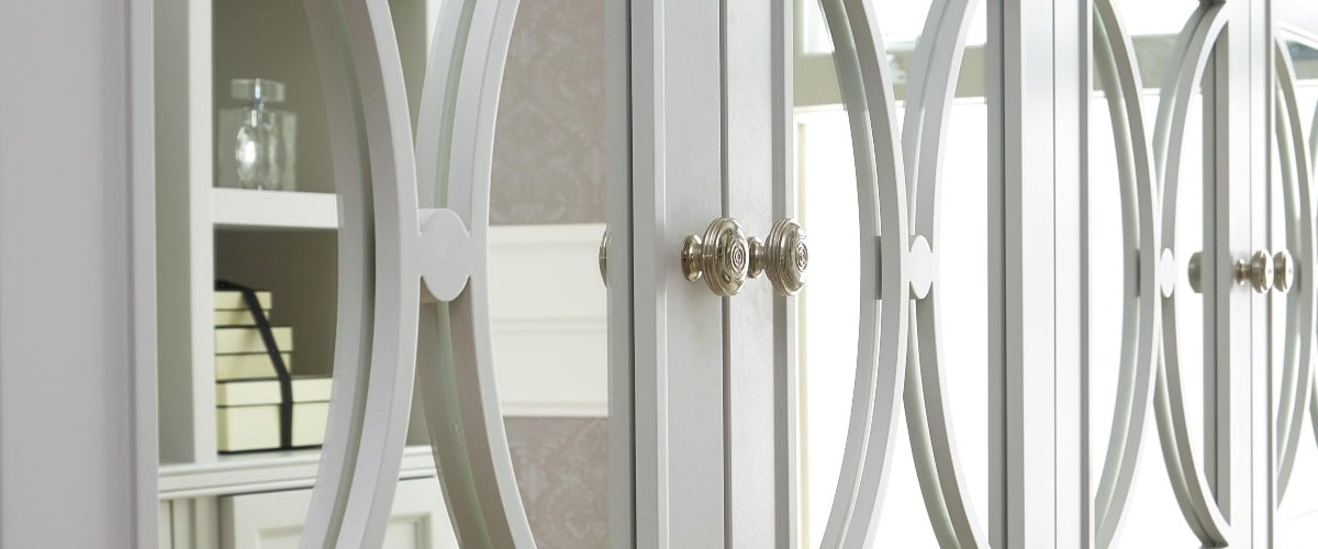 Casino Mirror Wardrobe Doors, Fret Work close up with chrome handles